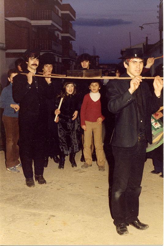 carnaval-miguelturra-primer-entierro-sardina-1982